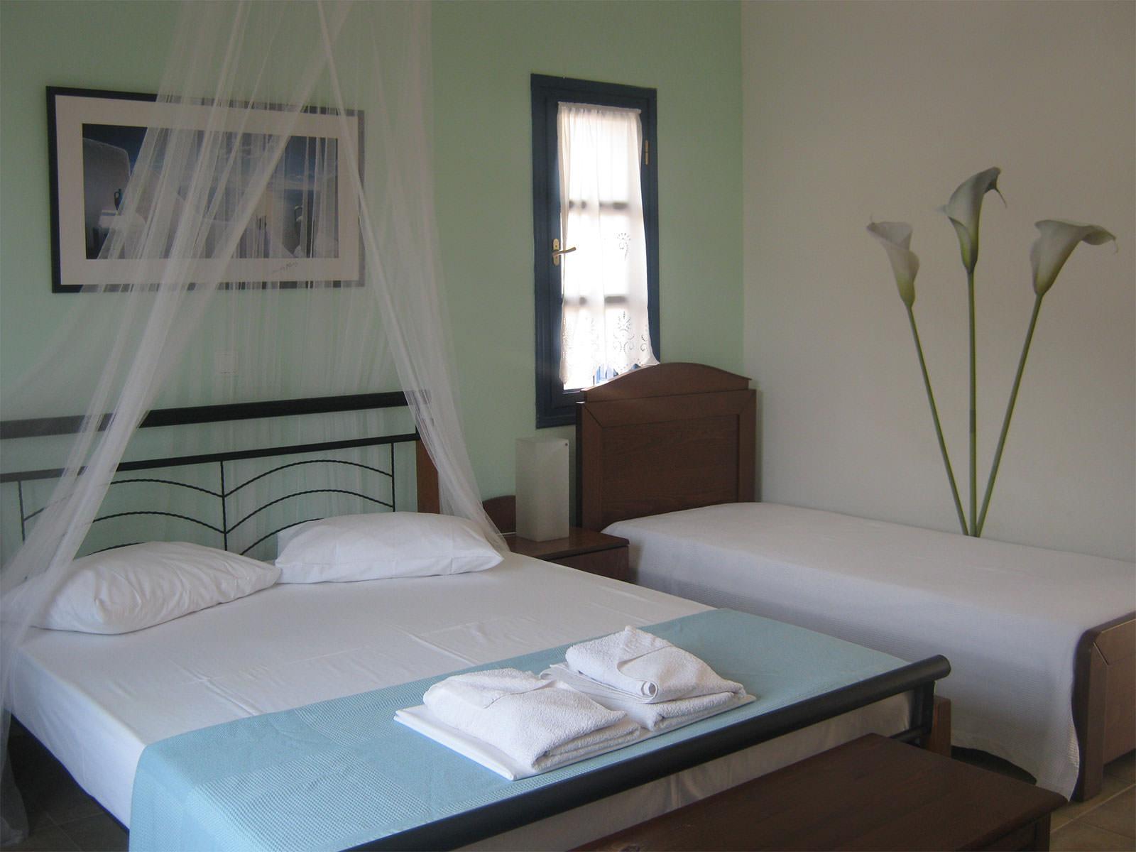Aegean Star Hotel Folegandros   Superior triple